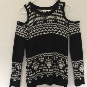 Sweaters - Black and white knitted sweater